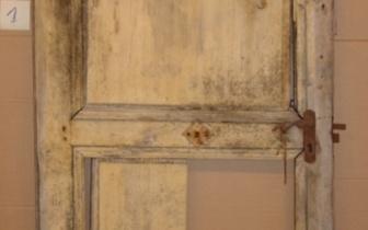 barocke Zimmertür aus Franken, vor Restaurierung.JPG