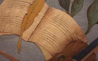 Rückseite einer Marketerie aus verschiedenen Furnierhölzern, gefertigt am chevalet de marqueteur, Ecole Boulle.jpg